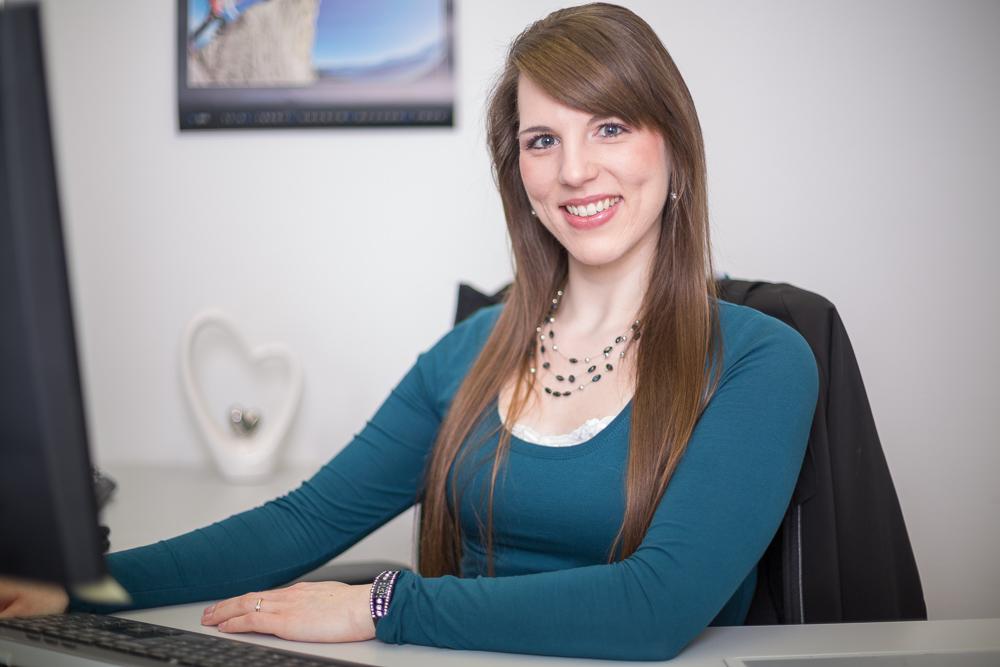 Manuela Klur, Buchhaltung