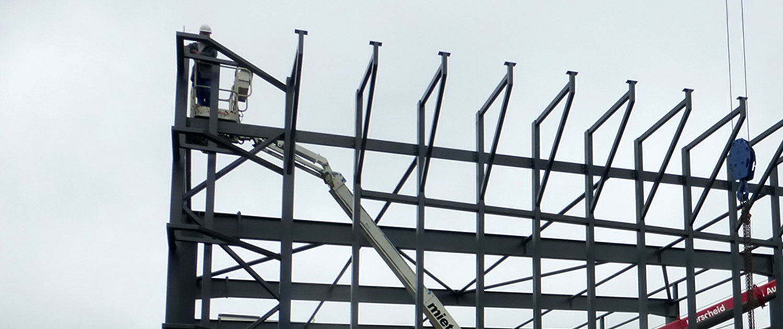 Stahlkonstruktion für Produktionshalle Mennekes
