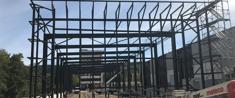 Stahlkonstruktion - Produktionshalle Mennekes