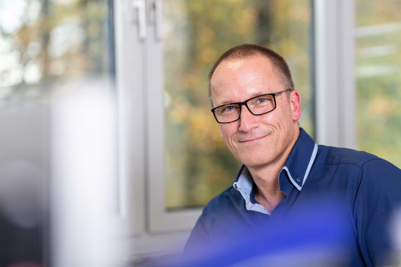 Andreas Becker, Vertrieb